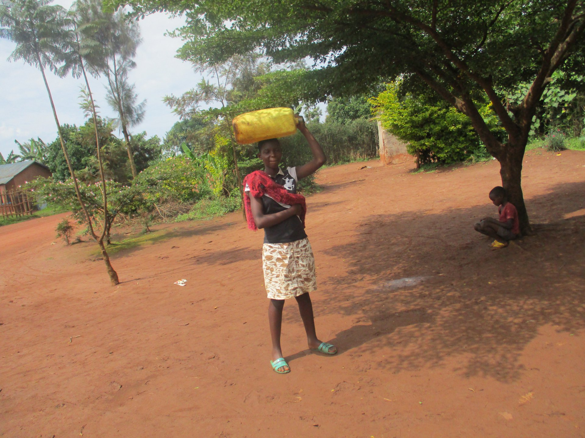https://www.waterforlife.nl/files/visuals/_1920x1920_fit_center-center_85_none/Rwanda-Chantal.JPG